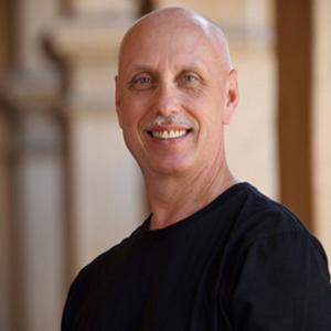 在舞蹈陪训行业具有十多年的经验,受教学员近千名